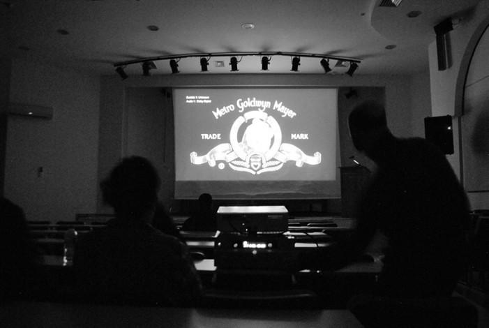 Κινηματογραφική Λέσχη Καστοριάς: Στο σινεμά πας για το πανί και την κουβέντα.